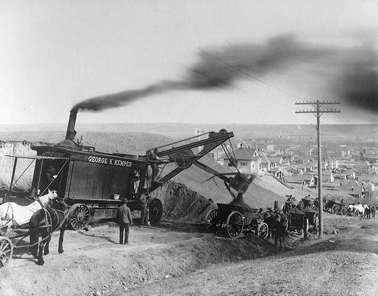 Kemper Construction Company's steam shovel in early 1900s